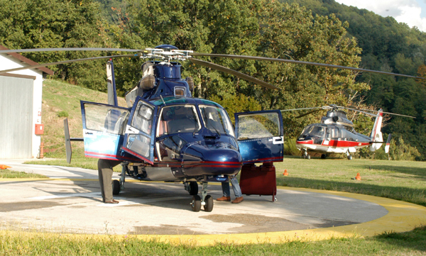 Un Elicottero Di Massa 15000 Kg : Helicopter door to from everywhere